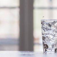 ¿Cuánto líquido hay que tomar por día?