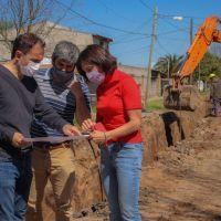 El Municipio comenzó una importante obra hidráulica en Las Campanas que posibilitará la llegada del asfalto