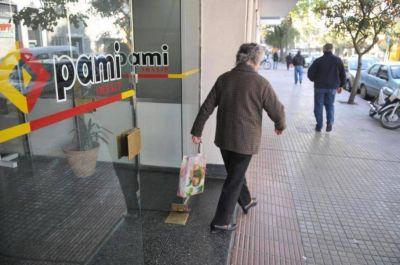 Bioquímicos evalúan medidas de fuerza contra el PAMI