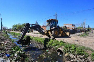 Esteban Echeverría: El Municipio y ACUMAR avanzan en la limpieza del arroyo Ortega