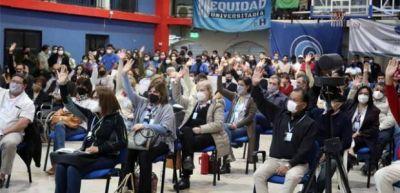 El titular de Conadu acompañó y respaldó la asamblea en la Universidad Nacional de Formosa