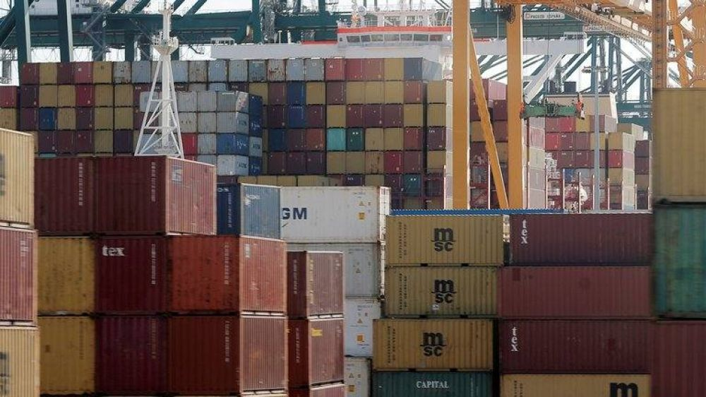 El Gobierno salió a frenar las importaciones ante la fuerte caída de reservas del BCRA