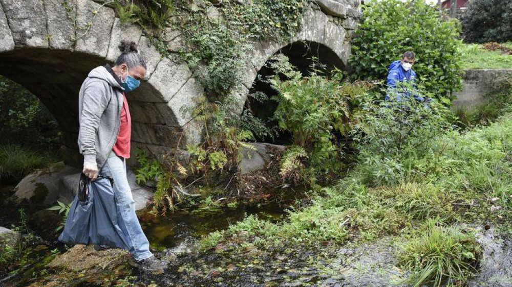 Latas de refrescos, toallitas y hasta ruedas, estos son los residuos que ensucian los ríos