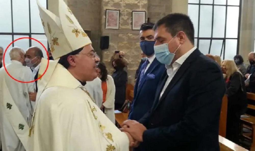 Manzur asistió a la misa de desagravio en la catedral maronita profanada y vandalizada