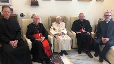 Benedicto XVI reaparece cinco meses después