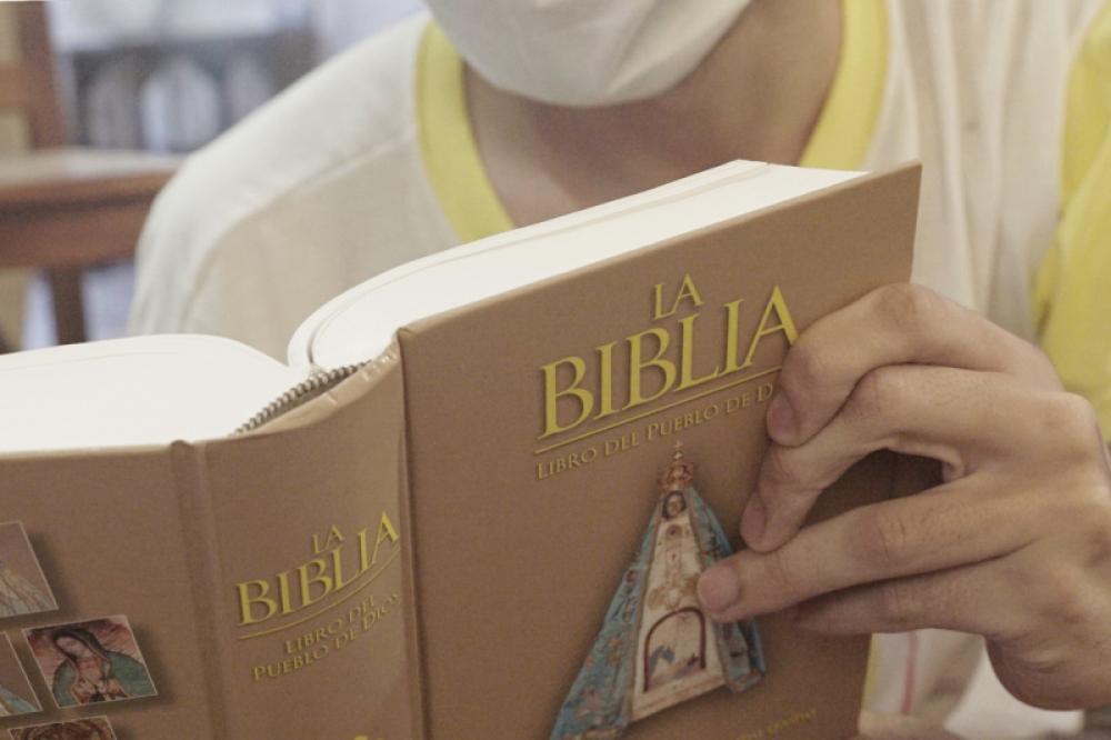 La Iglesia argentina lanzó iniciativa evangelizadora #RegalaUnaBiblia