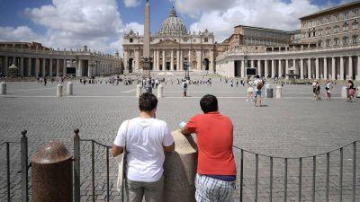 ¿Se contradice el Vaticano a sí mismo?
