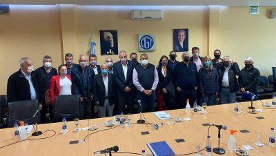 La educación como nuevo eje de campaña: Perczyk ahora visitó la CGT y validó la formalización profesional