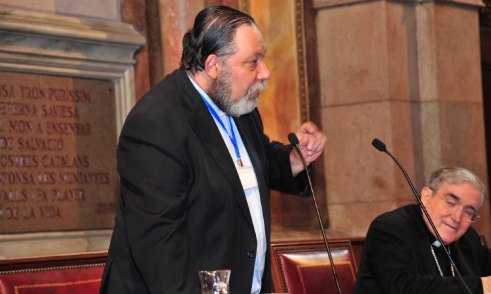 Cura argentino sigue como asesor del Papa en temas doctrinales