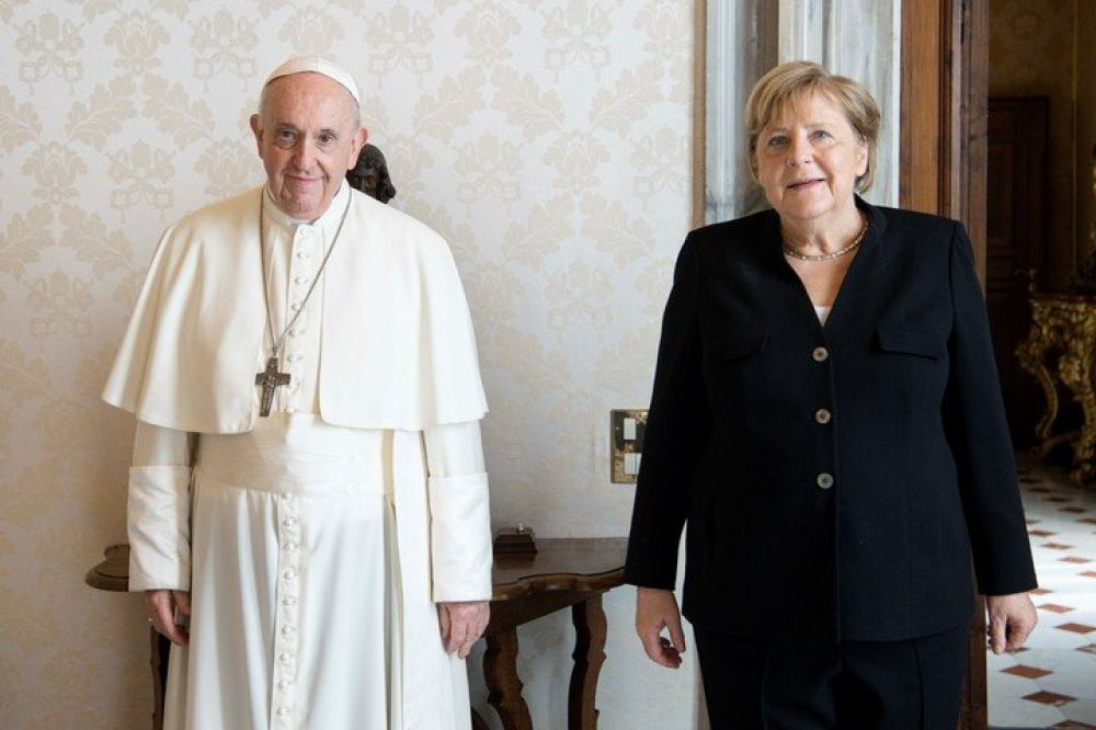 Papa Francisco recibe en el Vaticano a la canciller alemana Angela Merkel