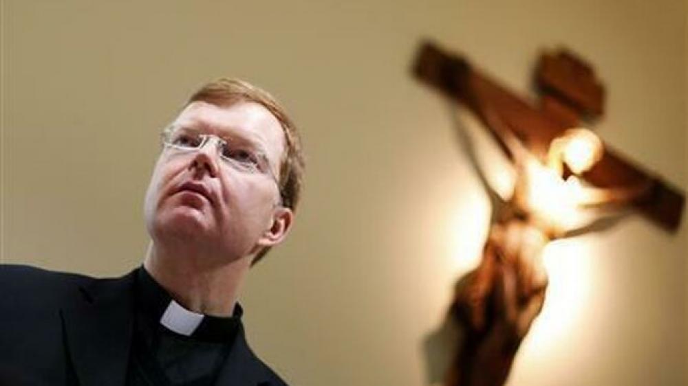 Abusos: Asesor del Papa pide a episcopados tener