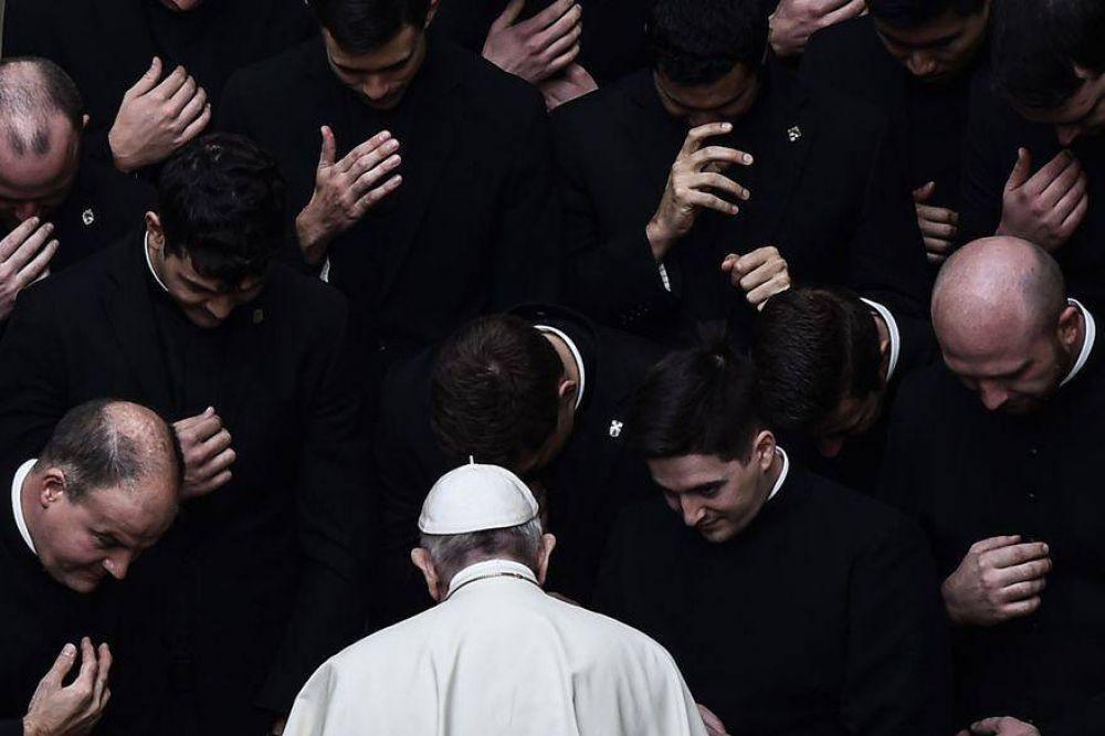 """Abusos: concluyó sin castigos el """"juicio de los monaguillos del Papa"""""""