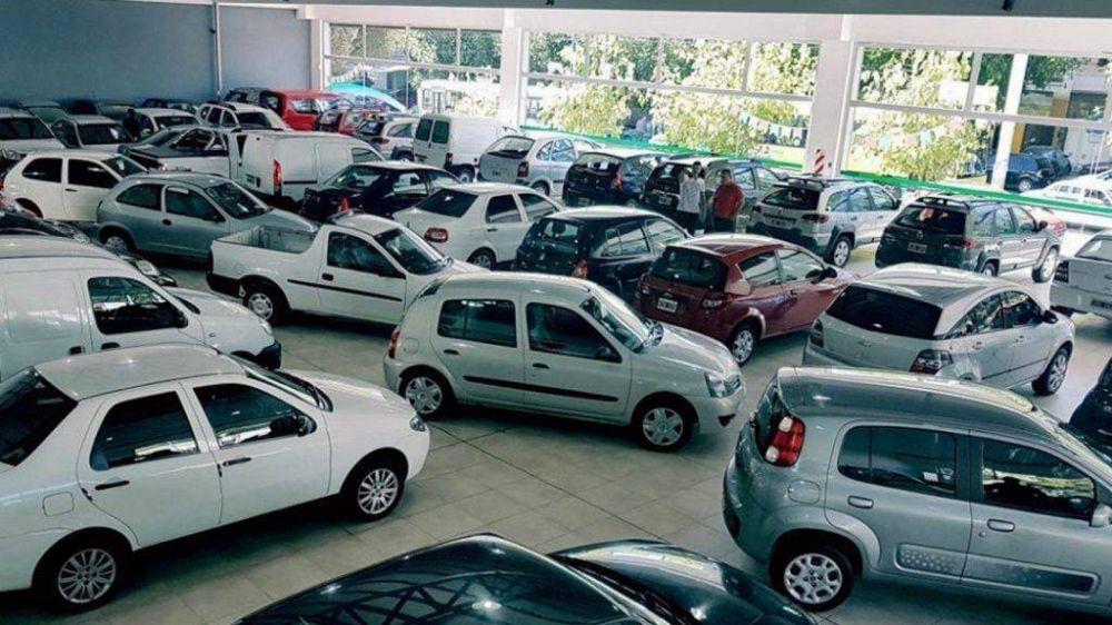 Concesionarios de autos usados advierten que hay 40 mil empleos en riesgo en la actividad