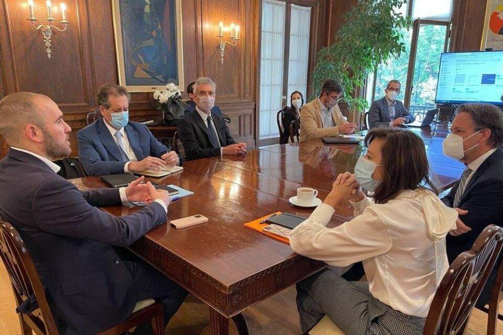 Reunión Guzmán-Georgieva: El ministro zafa de maniobras mediáticas, la búlgara de golpes internacionales