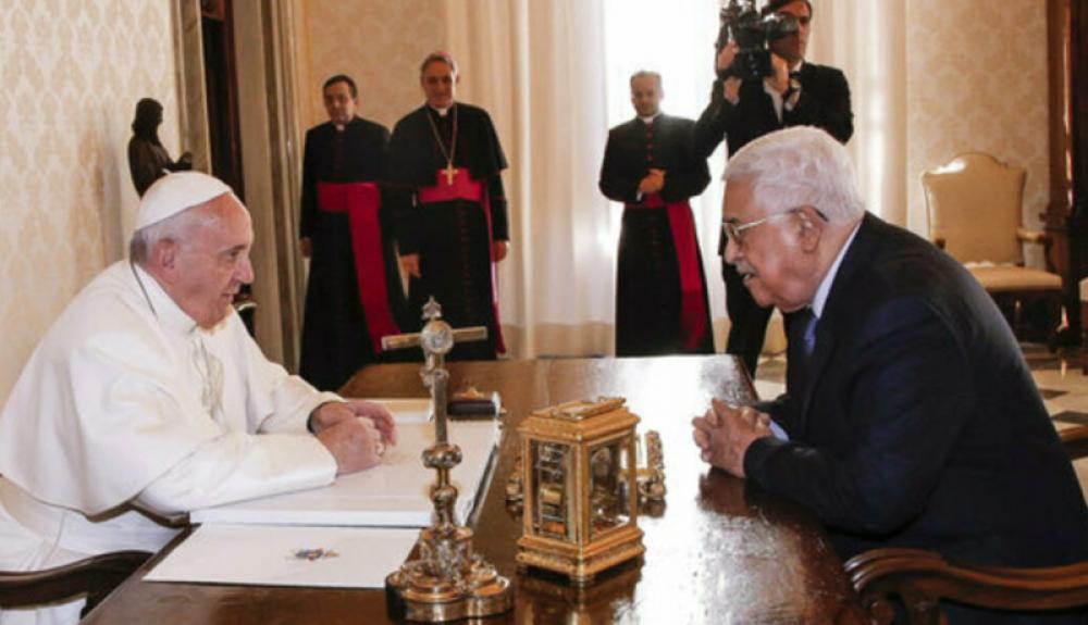 El Papa por teléfono con Abás: