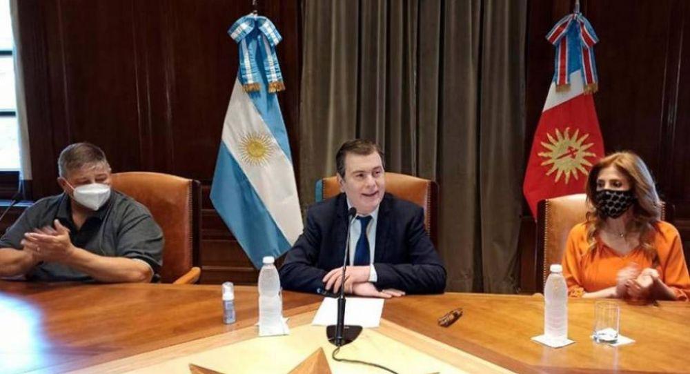 #Santiagazo Zamora anunció un bono de 90 mil pesos y aumento salarial del 57% para los empleados públicos santiagueños