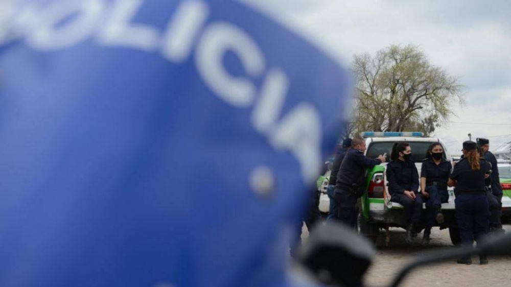 Molestos por los viajes de egresados gratis, policías de La Bonaerense convocaron a un nuevo paro