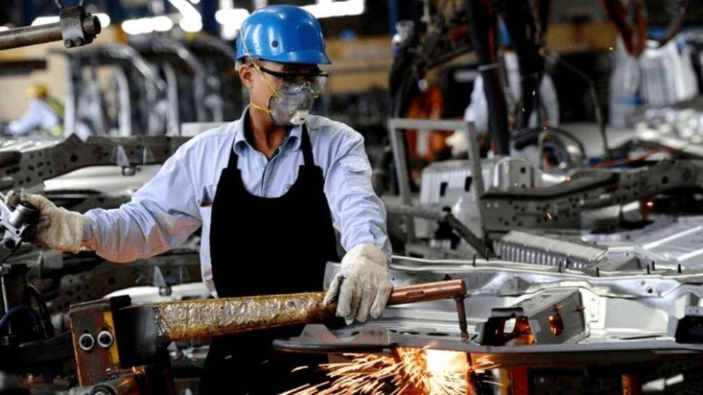 El empleo industrial no logró superar la prepandemia y piden incentivos para crear puestos de trabajo