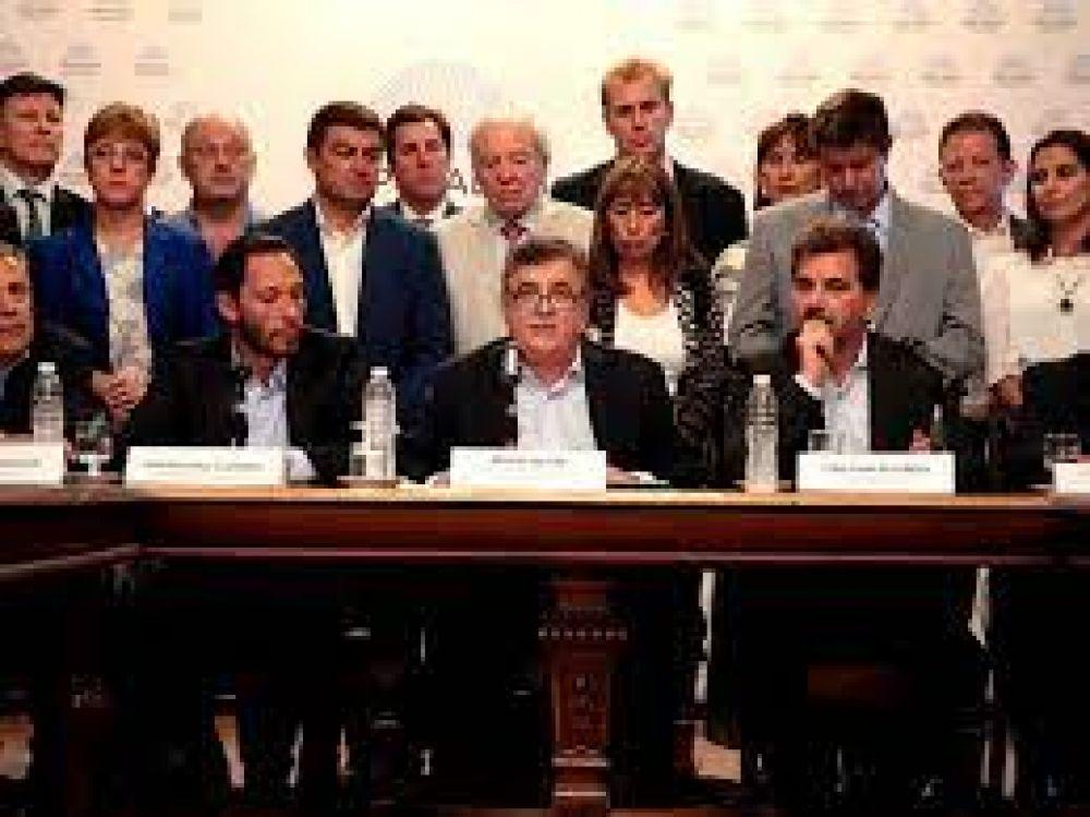 Juntos por el Cambio discute estrategia para otro round en el Congreso