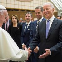 El Papa recibiría por primera vez en audiencia al presidente Joe Biden