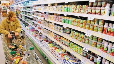 Congelarán precios de 1200 alimentos y bebidas hasta enero: cómo es el plan