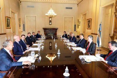"""""""Almorzando con el Presidente"""" tiene nueva fecha, el inesperado regreso a IDEA y qué une a Máximo Kirchner con De Narváez, Brito y Bulgheroni"""