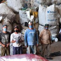 Residuos: habilitarán a los cartoneros para recoger la basura de grandes generadores