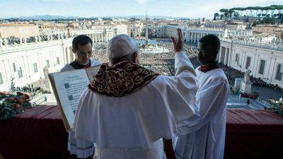 Que la mano del Jefe de Estado vaticano no sepa lo que hace la mano del Papa