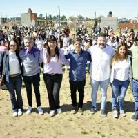 """Kicillof, Zabaleta y Menéndez lanzaron el programa """"Mi Pieza"""" en el Distrito"""