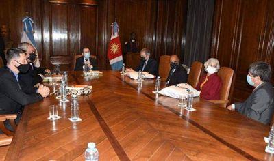 El gobernador Gerardo Zamora recibió a los representantes de las distintas religiones