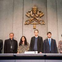 El Vaticano presenta aplicación para rezar por el Sínodo y con el Papa