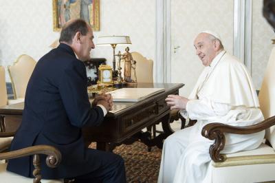 Primer ministro francés al Papa: