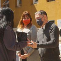Esteban Echeverría: Fernando Gray entregó más de 170 netbooks a estudiantes de sexto año
