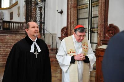 Referente vaticano pide implicar a