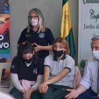 El Presidente retomó la campaña con la visita a un colegio de San José