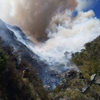 Continúa activo el incendio de alta montaña en Traslasierra
