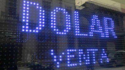 Las 4 causas que llevaron al dólar blue a su récord histórico