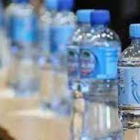 El 'boom' del agua con gas dispara la competencia entre las marcas (incluidas las de agua mineral)