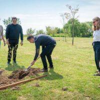 La Embajada del Reino Unido donó árboles a San Isidro