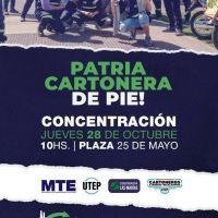 Concentración cartonera en la Plaza 25 de Mayo