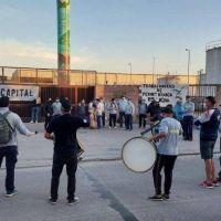 Trabajadores advierten sobre posible desabastecimiento de Fernet Branca por problemas en la línea de producción