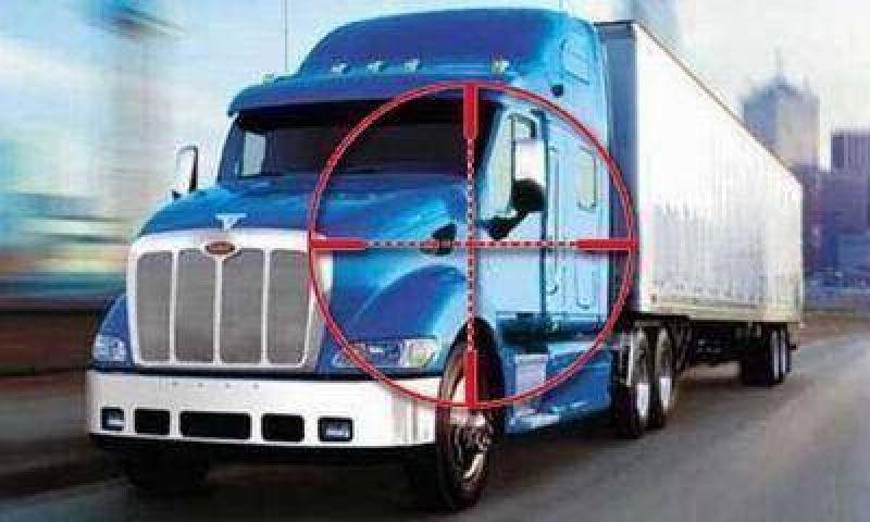 Piratas del asfalto balearon a un camionero y le llevaron $60.000