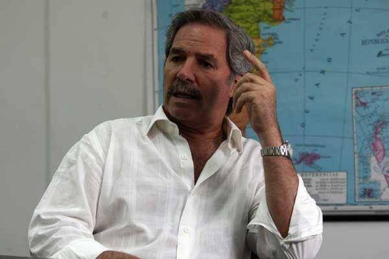 """Solá: """"De Narváez tiene hoy una indefinición total"""""""