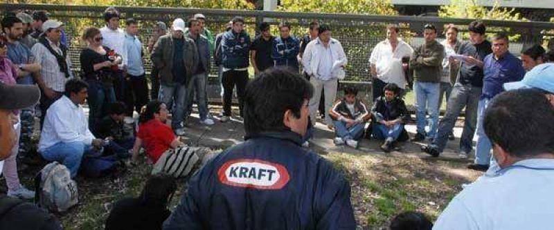 Divididos, hoy votan los empleados de Kraft