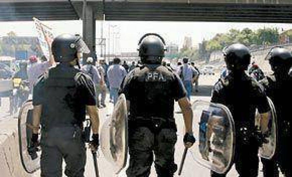 En otro día de caos, la Policía desalojó una protesta gremial en Panamericana