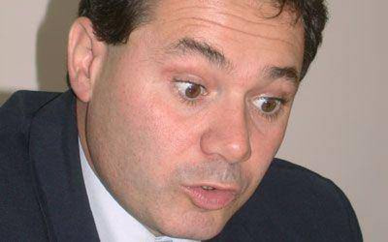 Guillermo Almir�n volver� al Concejo y en Gobierno asumir� Echelini
