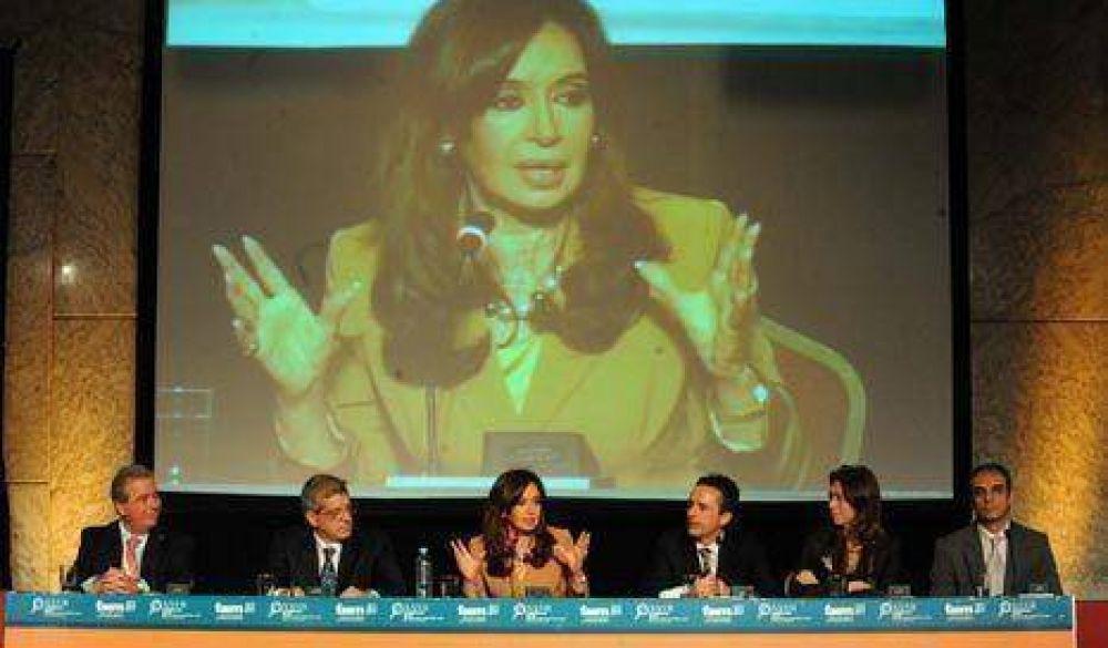 """""""Creo profundamente en el orden, pero no a los palos"""", dijo Cristina"""