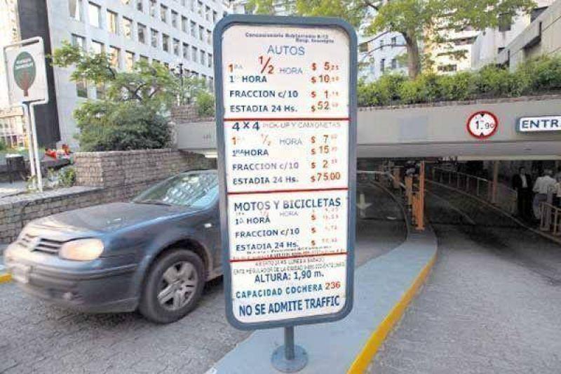 Estacionar en el centro ya sale $ 10 la hora