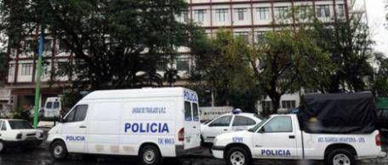 Tensión en Tucumán: Infantería irrumpió en hospitales