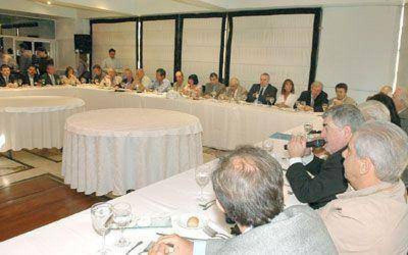 Das Neves disert� ante diplom�ticos y ex funcionarios ayer en Buenos Aires